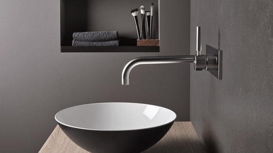 Come arredare un bagno moderno grigio scuro idee e - Arredare il bagno moderno ...