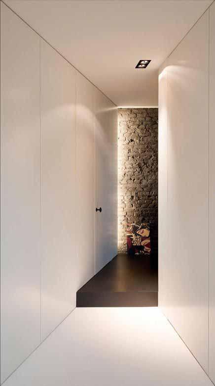 Armadio A Muro Per Corridoio.Arredare Il Corridoio Stretto E Lungo E Le Migliori Idee Dell Architetto
