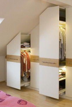 Progettare una cabina armadio in camera con tetto spiovente