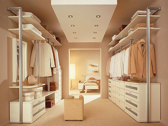 Progettare una cabina armadio in camera grande