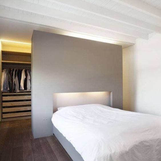cabina armadio dietro letto