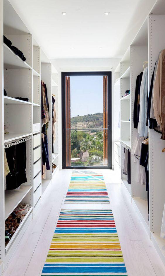 cabina armadio con porta uscita esterna