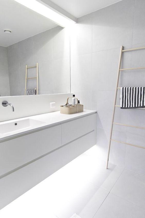 Illuminare il controsoffitto del bagno