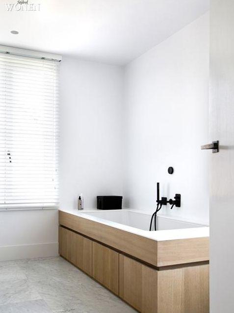 Ristrutturare il bagno in economia idee dell 39 architetto per ridurre i costi - Rivestire bagno senza togliere piastrelle ...