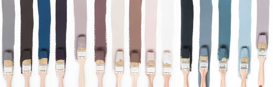 Pennelli con diversi Colori pitture per pareti