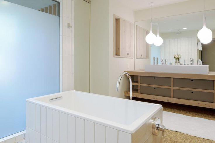 Lampade a sospensione per il tavolo da pranzo consigli e for Lampade bagno design