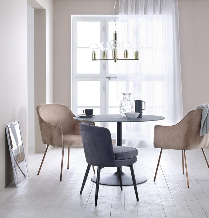 Tavolo Moderno E Sedie Antiche.Come Abbinare L Arredamento Antico E Moderno Insieme Le 5 Regole