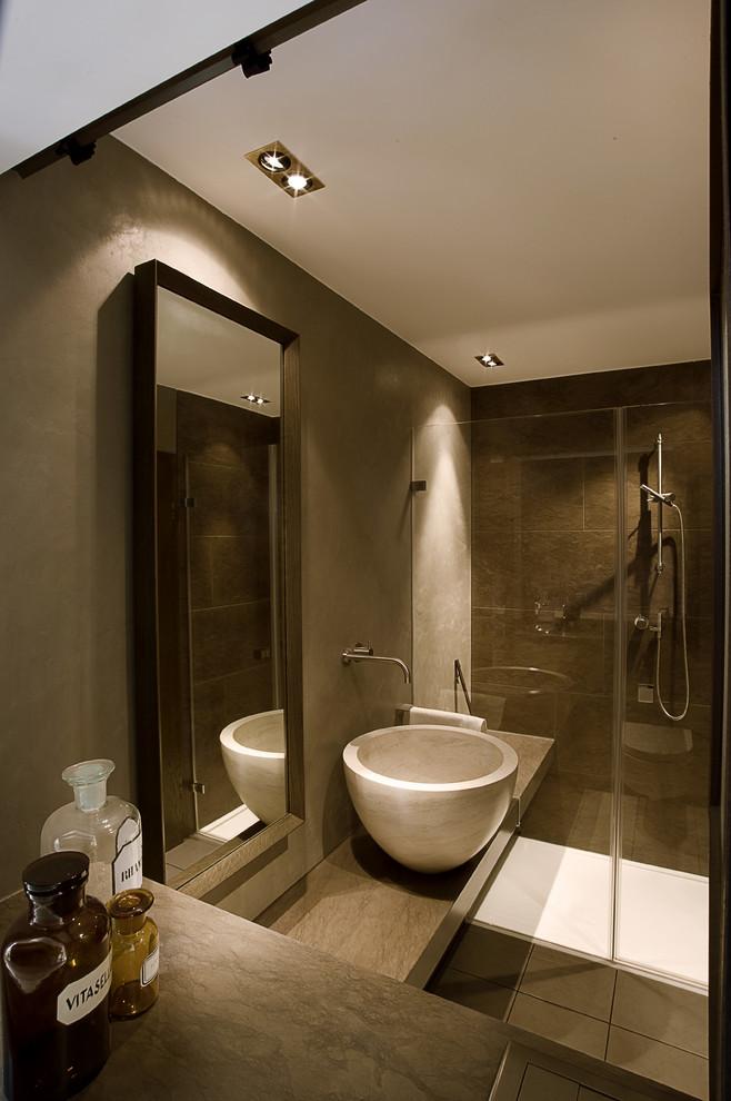 Rivestimenti in resina per pareti e pavimenti consigli opinioni pro e contro - Pareti bagno senza piastrelle ...