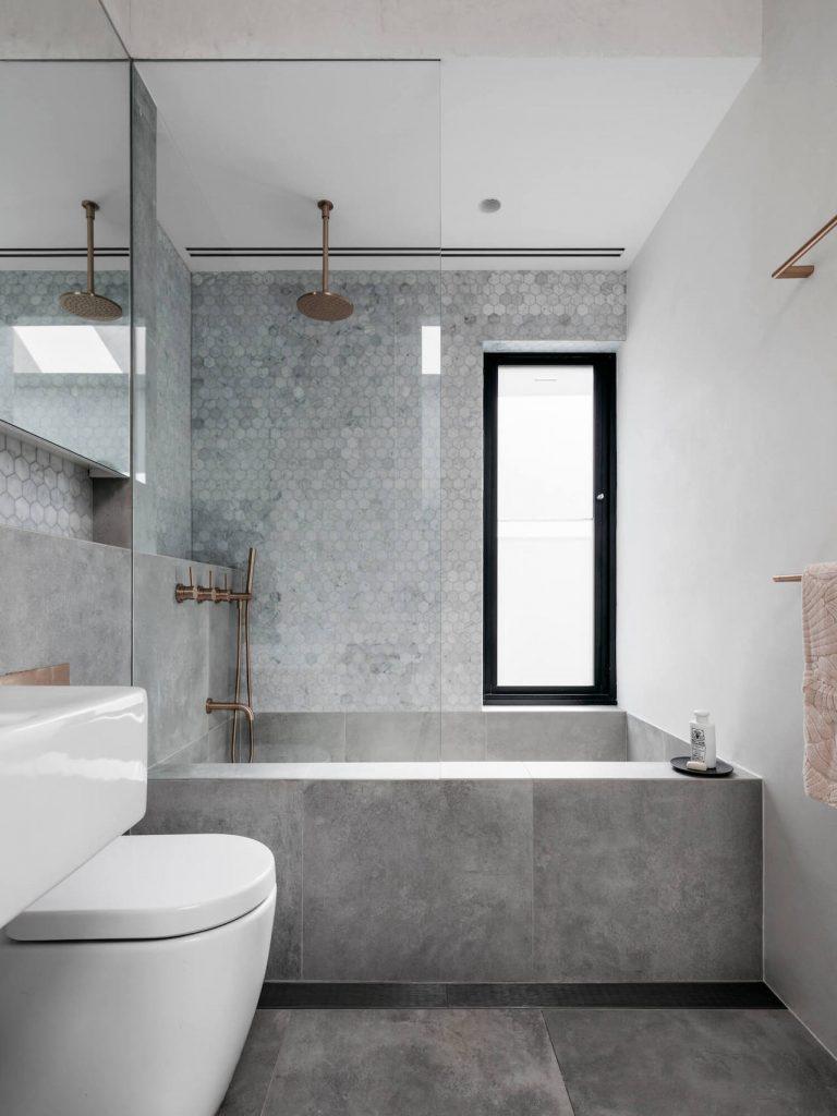 vasca doccia per arredare un bagno piccolo