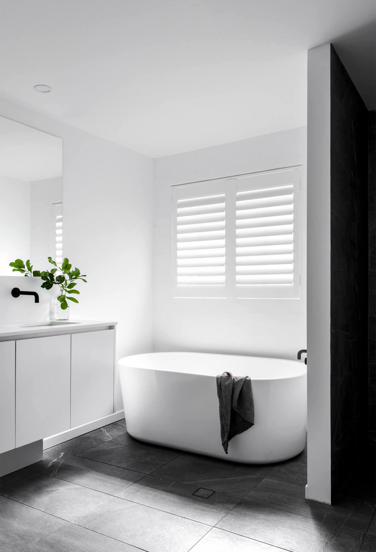 Bagno 2 X 2 come arredare un bagno piccolo: 7 segreti dell'architetto