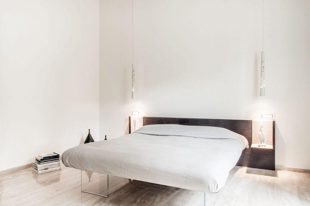 Come arredare camera da letto moderna testata nera