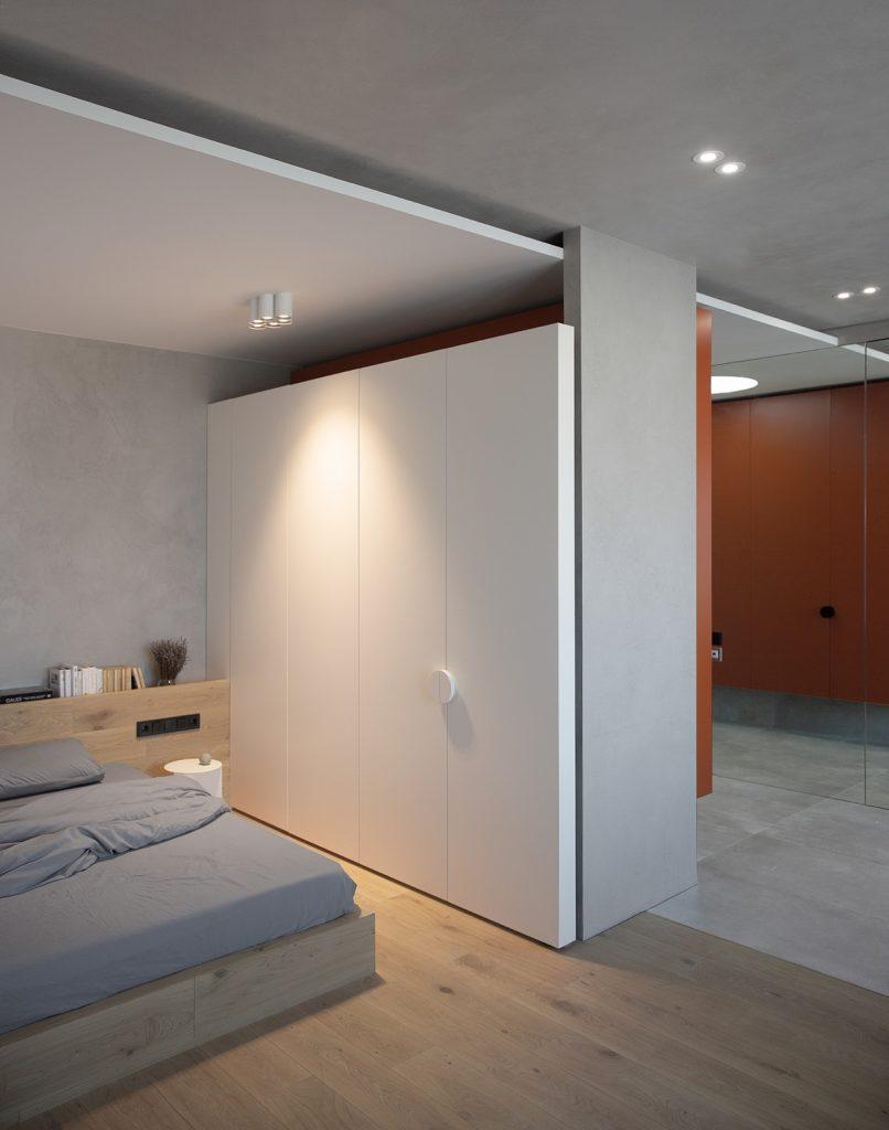 piccola camera da letto illuminata