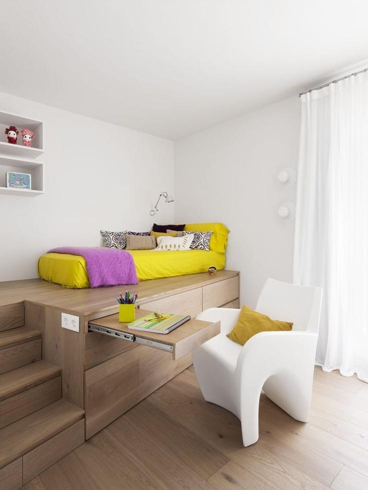 camera da letto con pedana salva spazio