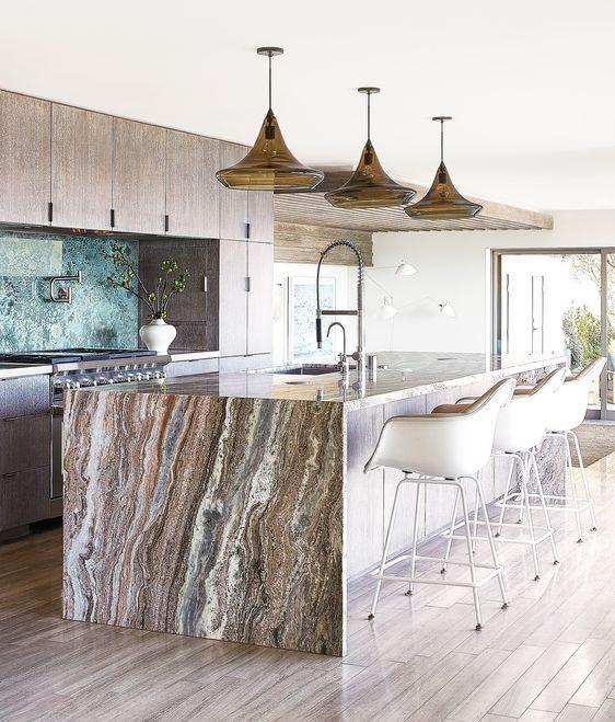 cucina rivestimento marmo effetto legno