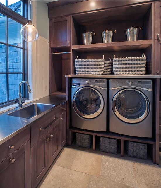 Arredo lavanderia in legno