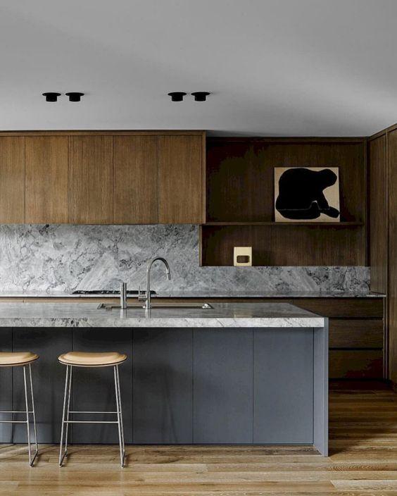 cucina grigia e legno
