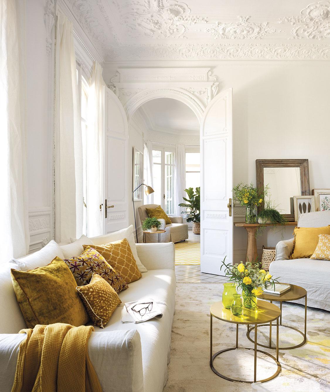 Come abbinare e disporre i divani in salotto: esempi pratici