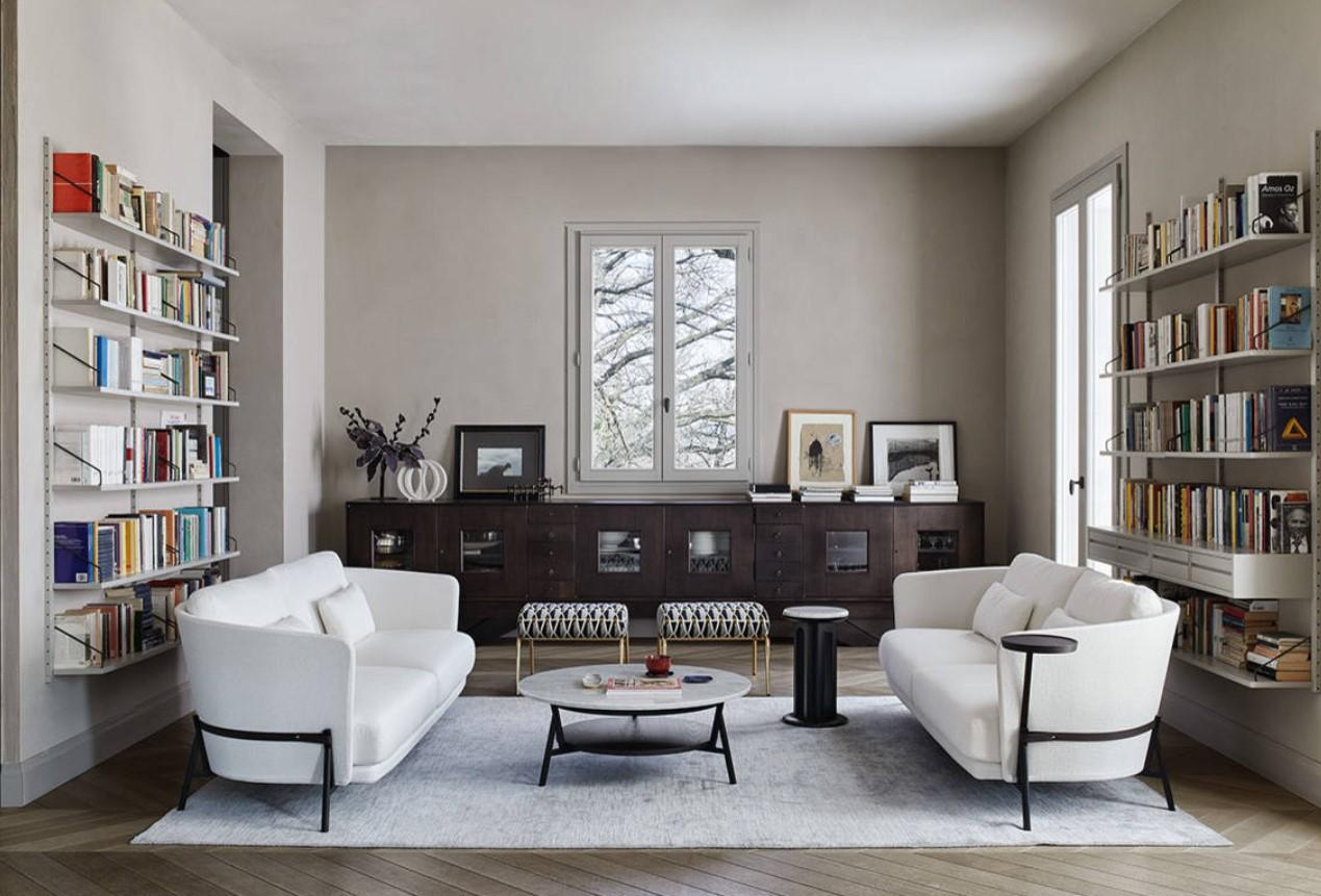 Soggiorno Con Divano Grigio Scuro come abbinare e disporre i divani in salotto: esempi pratici