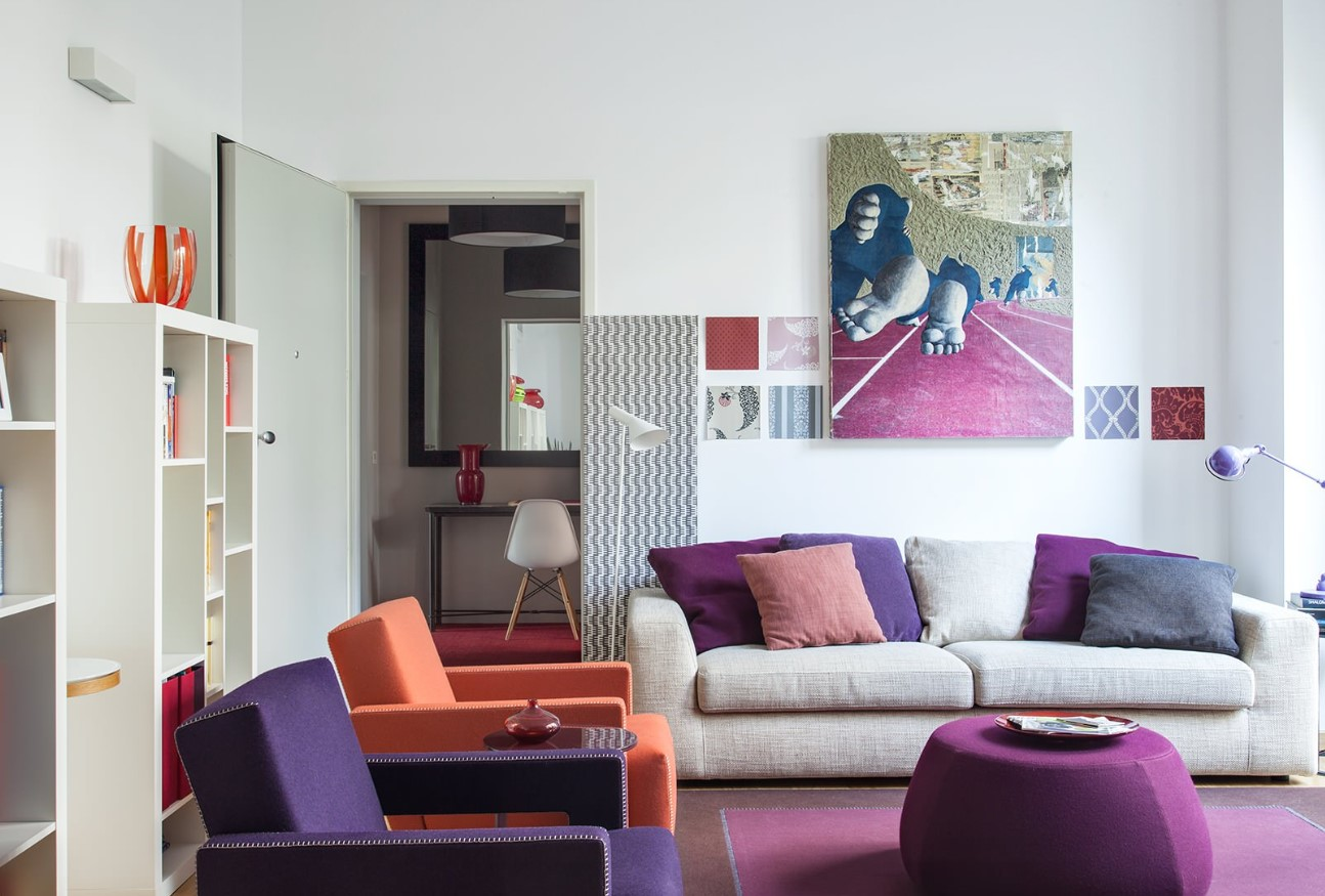 Divano Rosso E Grigio come abbinare e disporre i divani in salotto: esempi pratici