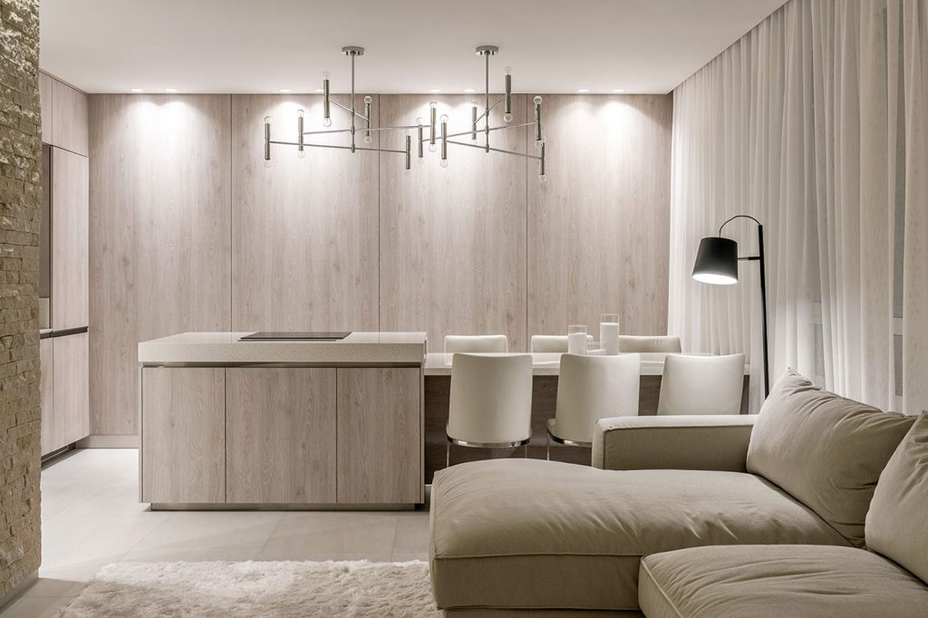 cucina in legno chiaro stile classico contemporaneo