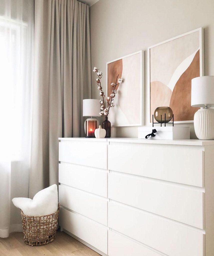 mobile camera da letto in stile scandinavo