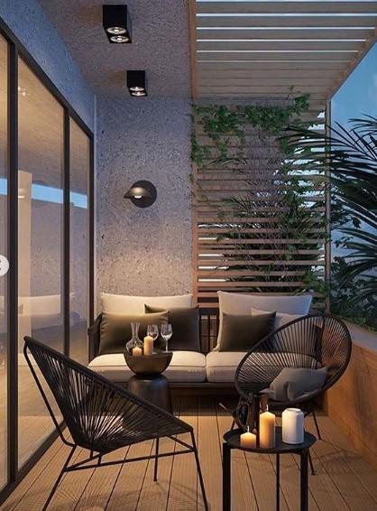 balcone con arredamento moderno