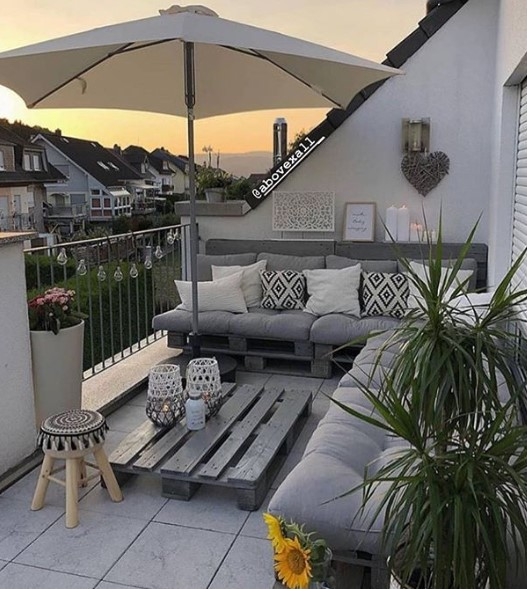 balcone arredato in base al clima