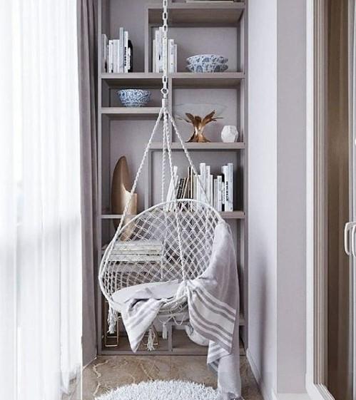 balcone con altalena poltrona
